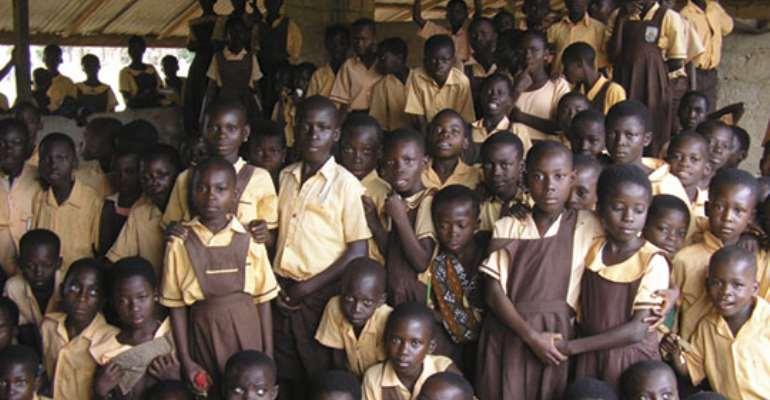 President fetes school children